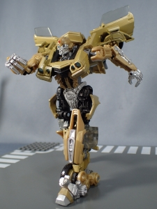 SDCC 2018 Bumblebee Retro Rock Garage Gold Bumblebee (36)