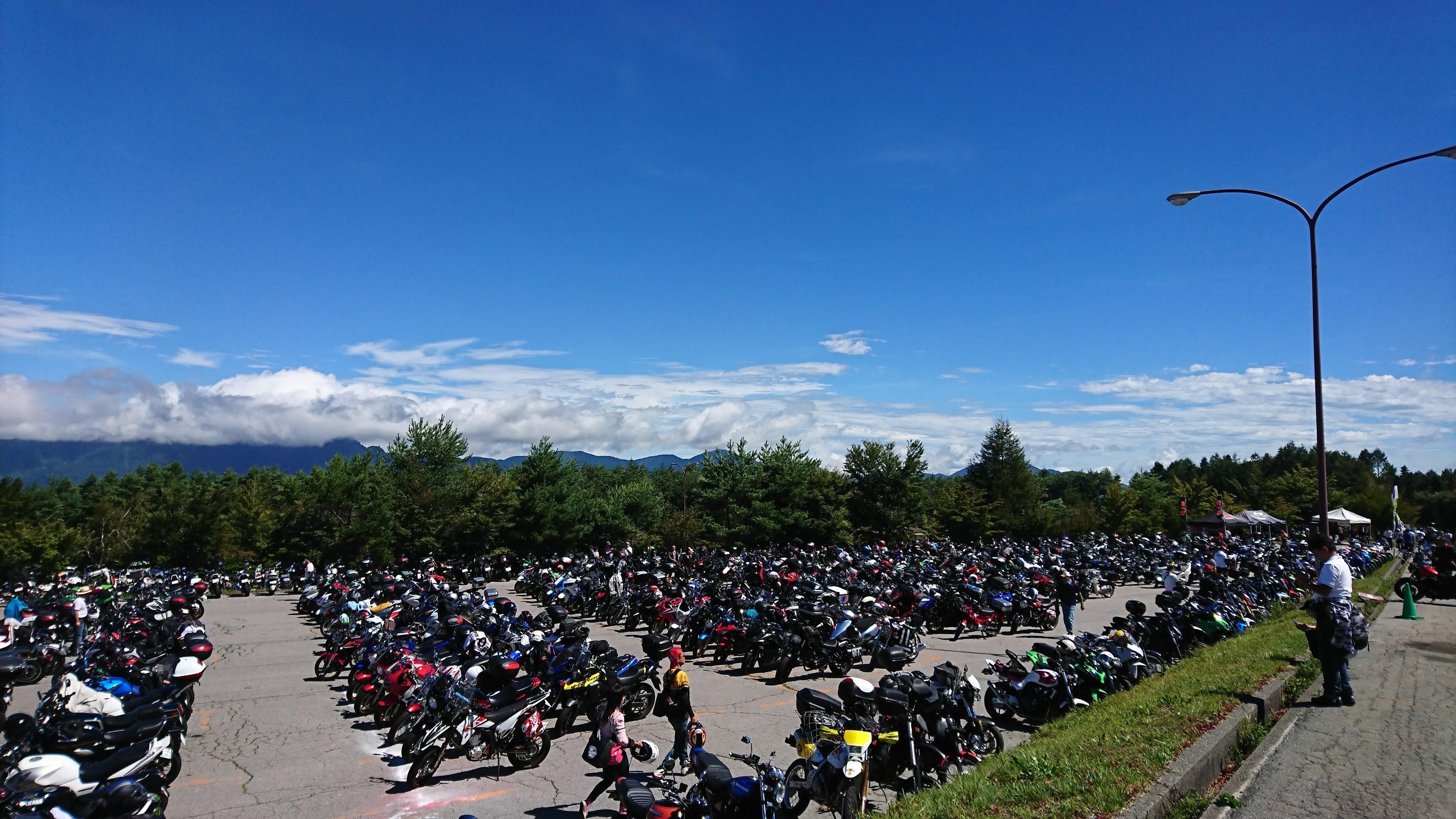 バイク駐車場3
