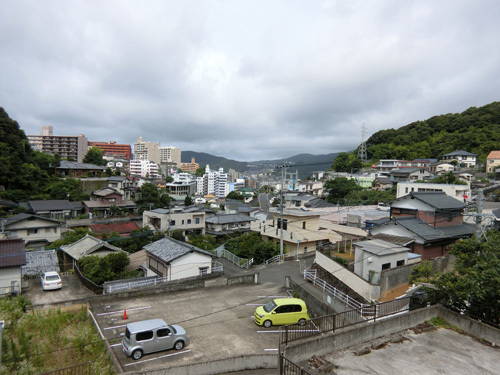 今日も曇りそして強風。