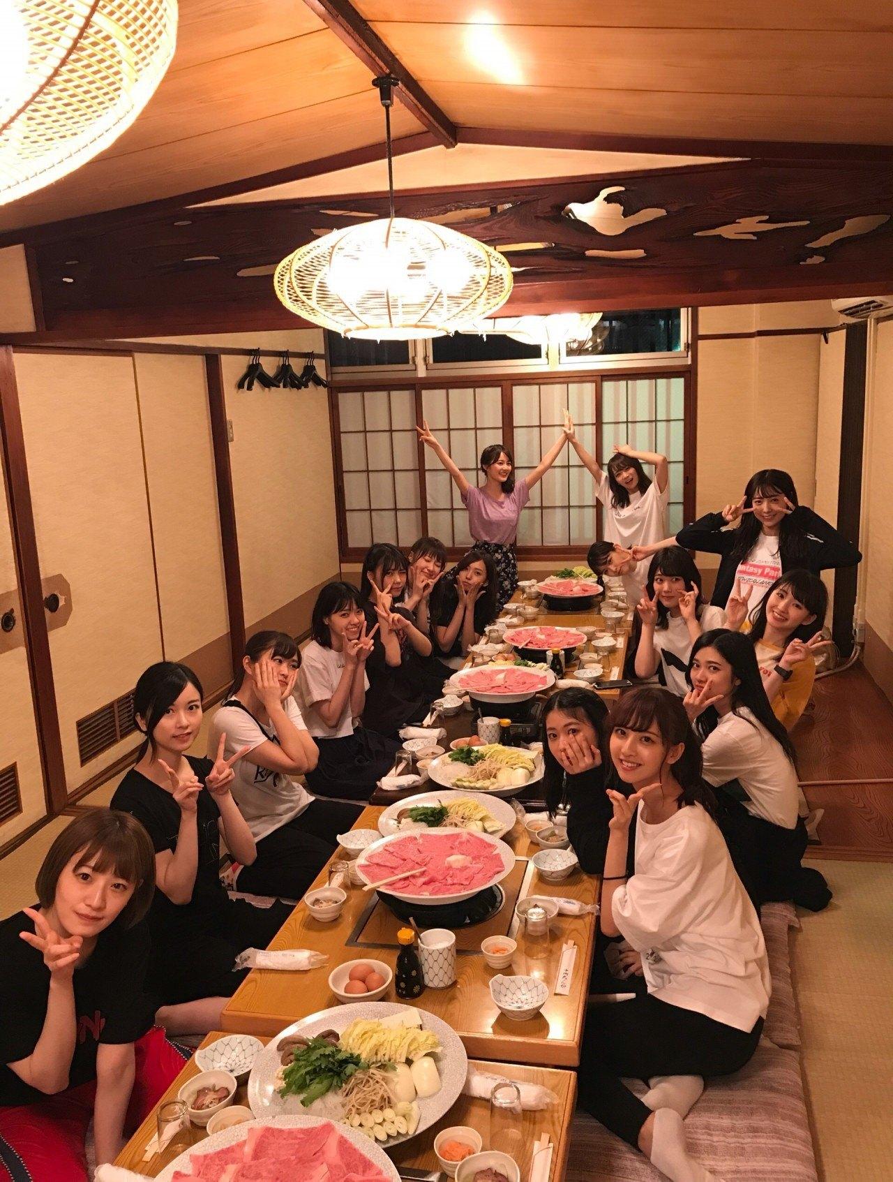 伊藤かりんブログ「第380話 ご飯会の報告。福岡編。」すき焼き!
