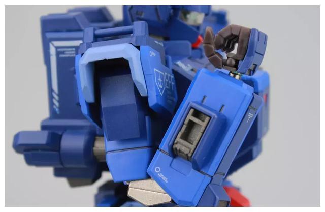 S292_FUNHOBBY_blue_destiny_inask_031.jpg