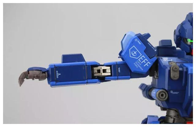 S292_FUNHOBBY_blue_destiny_inask_032.jpg