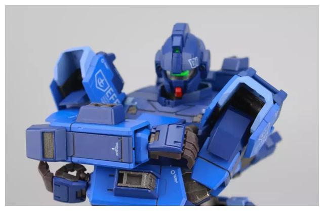S292_FUNHOBBY_blue_destiny_inask_033.jpg