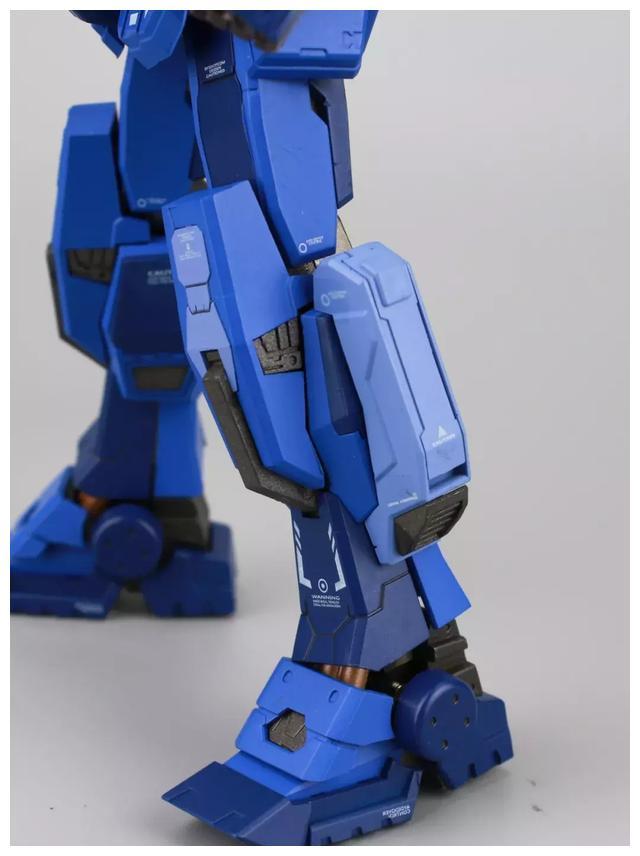 S292_FUNHOBBY_blue_destiny_inask_039.jpg
