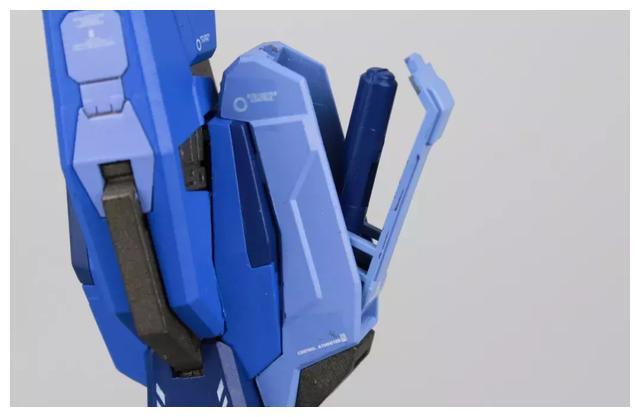 S292_FUNHOBBY_blue_destiny_inask_041.jpg