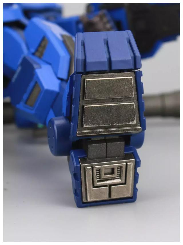 S292_FUNHOBBY_blue_destiny_inask_042.jpg