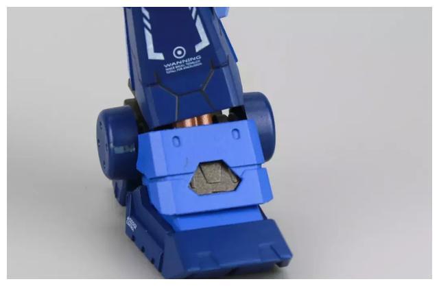 S292_FUNHOBBY_blue_destiny_inask_043.jpg