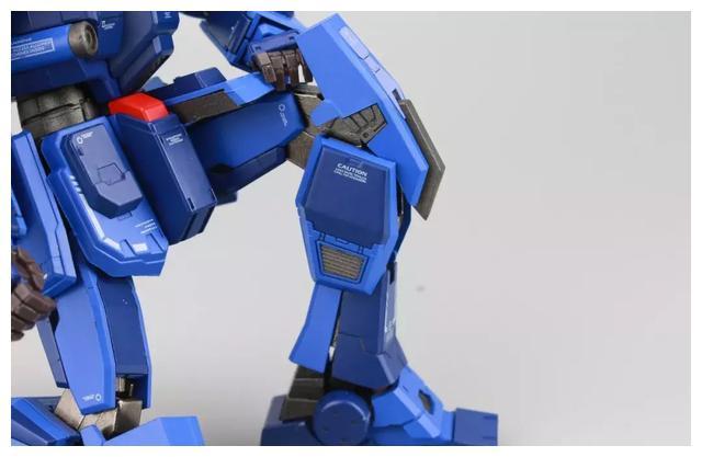 S292_FUNHOBBY_blue_destiny_inask_045.jpg