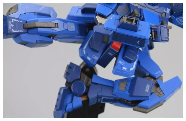 S292_FUNHOBBY_blue_destiny_inask_046.jpg
