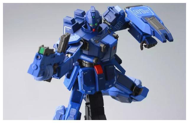 S292_FUNHOBBY_blue_destiny_inask_057.jpg