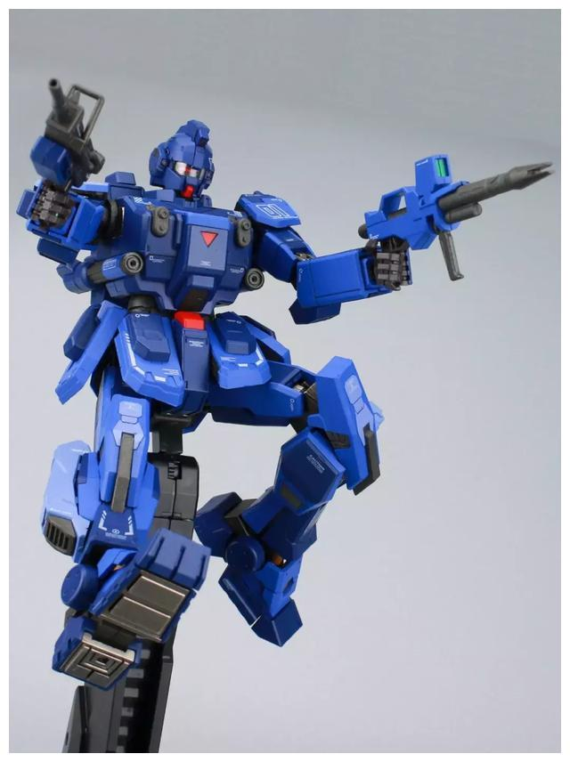 S292_FUNHOBBY_blue_destiny_inask_058.jpg