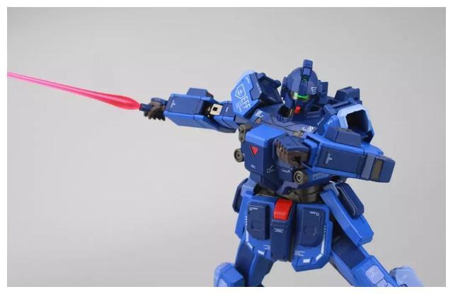 S292_FUNHOBBY_blue_destiny_inask_059.jpg