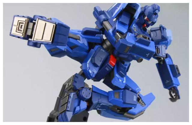 S292_FUNHOBBY_blue_destiny_inask_060.jpg