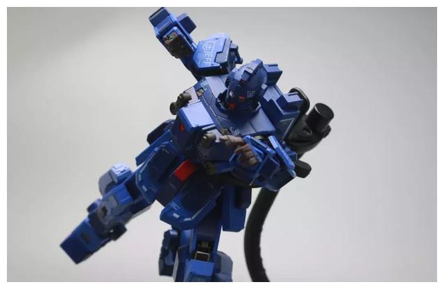S292_FUNHOBBY_blue_destiny_inask_061.jpg