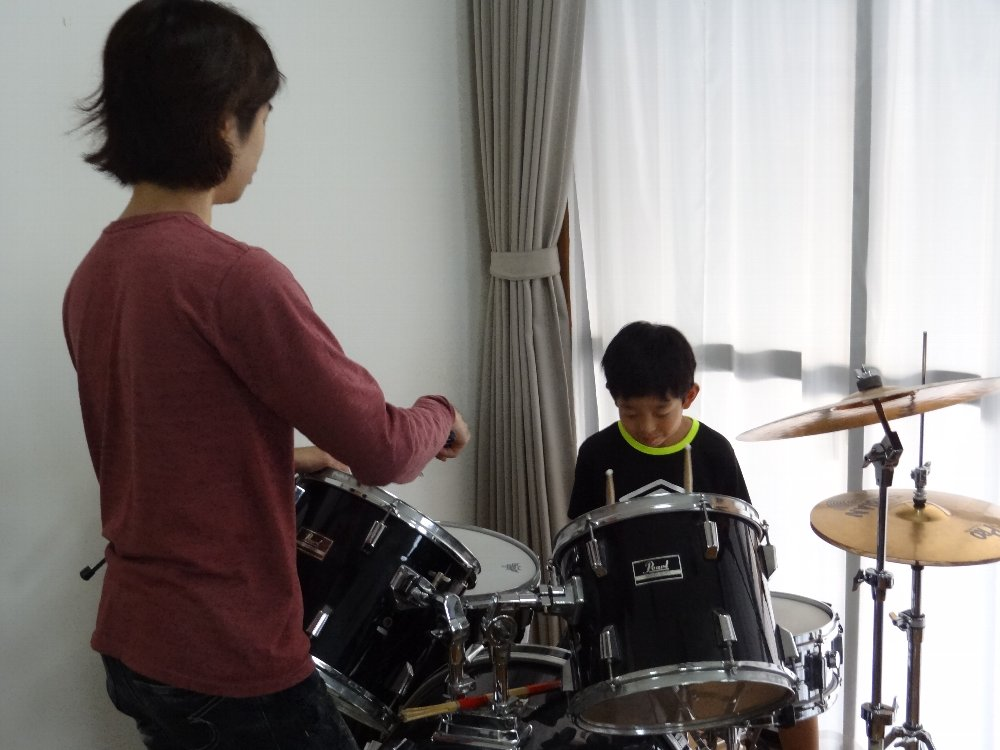 小学生のドラムレッスン ドラムセットの練習