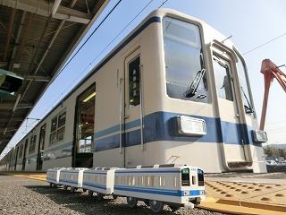 東武8000系現行塗装車とのコラボ撮影