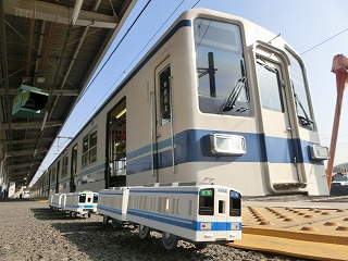 東武8000系現行塗装車とのコラボ撮影(2)