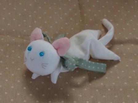 くたくた猫 (白猫) 2