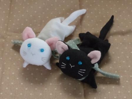 くたくた猫 (白猫 & 黒猫) 2
