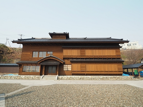 golden_kamui-tomari_kawamura02.jpg