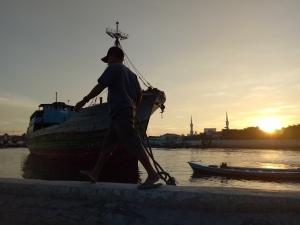 スンダクパラ港