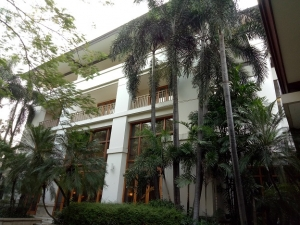ダルマワンサホテル