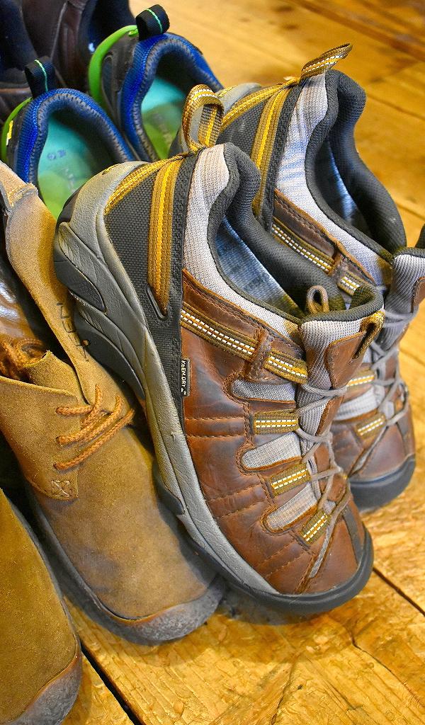 Trekking ShoesトレッキングシューズKeenキーン画像スニーカーコーデ@古着屋カチカチ010