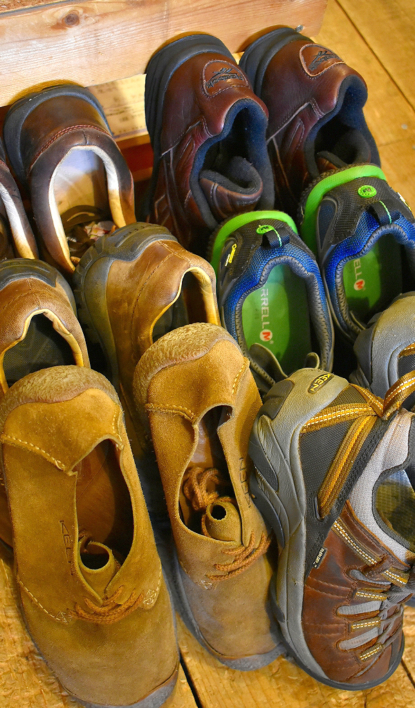 Trekking ShoesトレッキングシューズKeenキーン画像スニーカーコーデ@古着屋カチカチ011