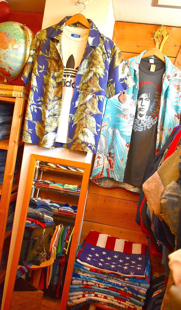 東京都北区王子ユーズドショップの古着屋カチカチ店内画像03