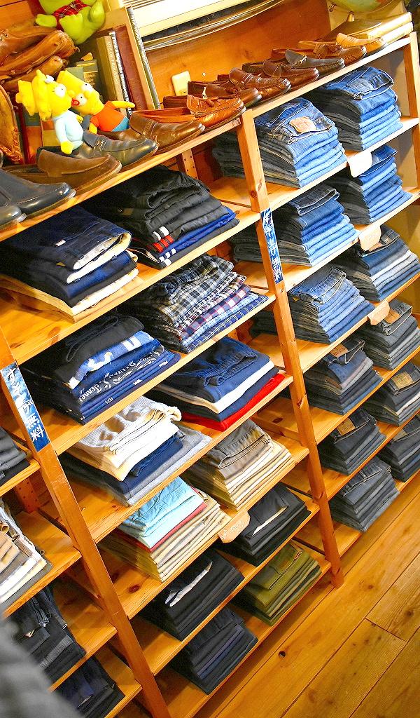 東京都北区王子ユーズドショップの古着屋カチカチ店内画像06