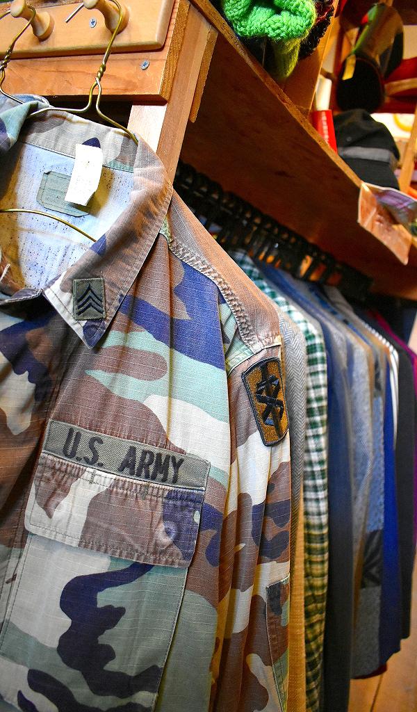 東京都北区王子ユーズドショップの古着屋カチカチ店内画像07