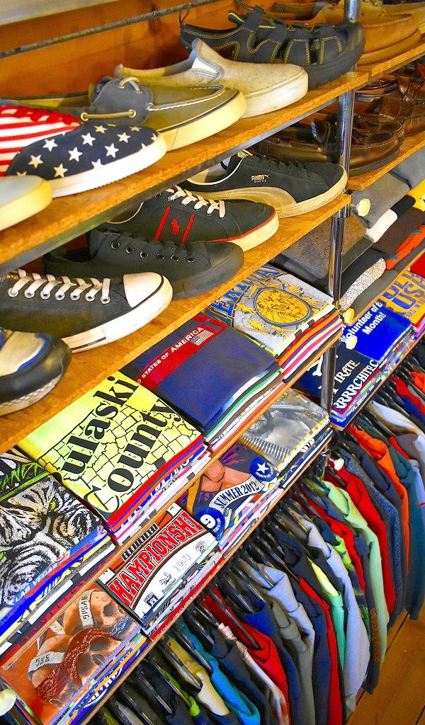東京都北区王子ユーズドショップの古着屋カチカチ店内画像010