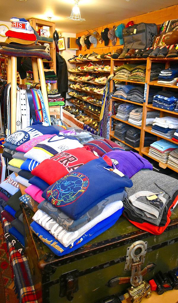 東京都北区王子ユーズドショップの古着屋カチカチ店内画像014