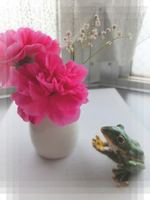 ピンクのお花とかえるさん