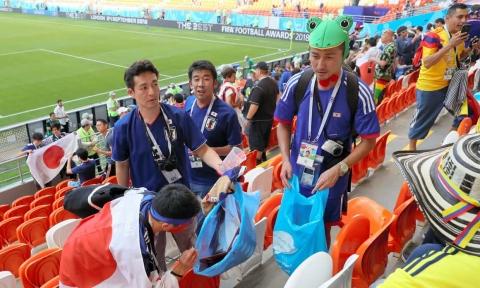 海外「これこそ本物の愛国心だ」 日本人サポーター達が取った行動に世界から賞賛の声