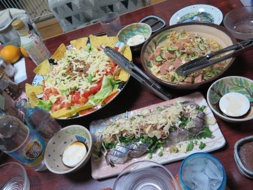 ゴーヤチャンプルー、ジーマミー豆腐、タコス味コンビールハッシュサラダ、アジ刺身