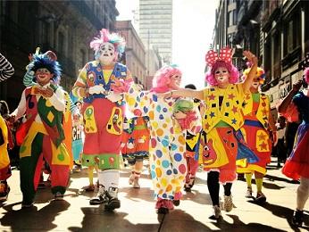 clowns-699167_1920.jpg