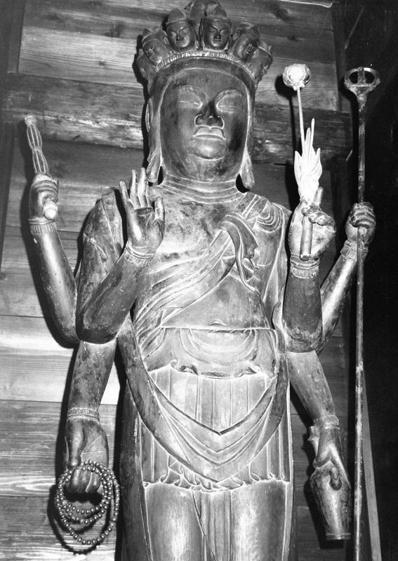 昭和48年に撮影した観菩提寺・十一面観音像の写真