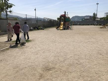 6172018 公園草取S2