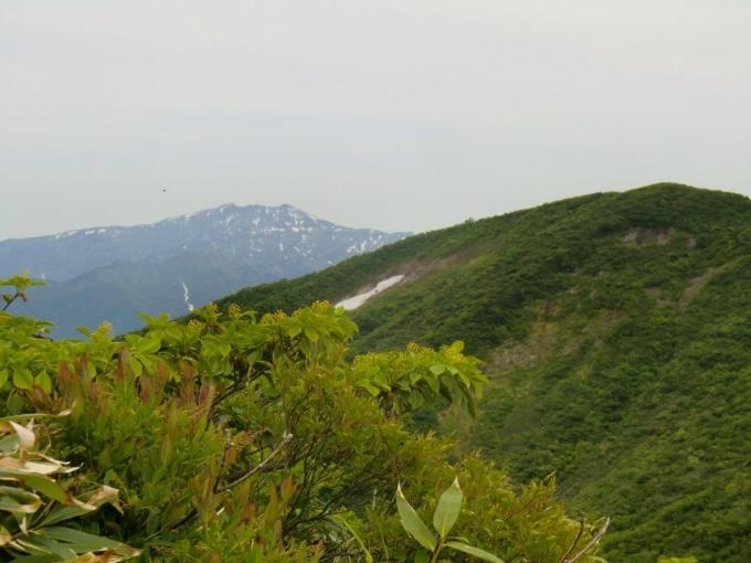 北岳と守門岳