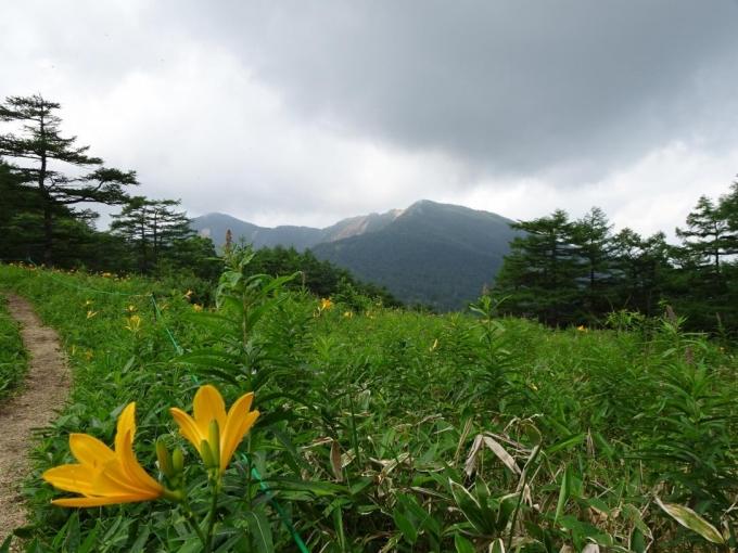園地から水ノ塔山と東篭の登山