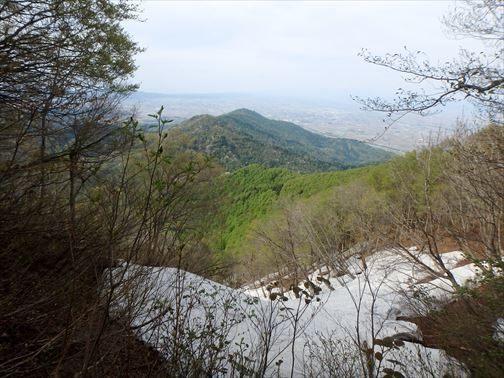 4.29 湯ノ沢岳~母狩山 103_R