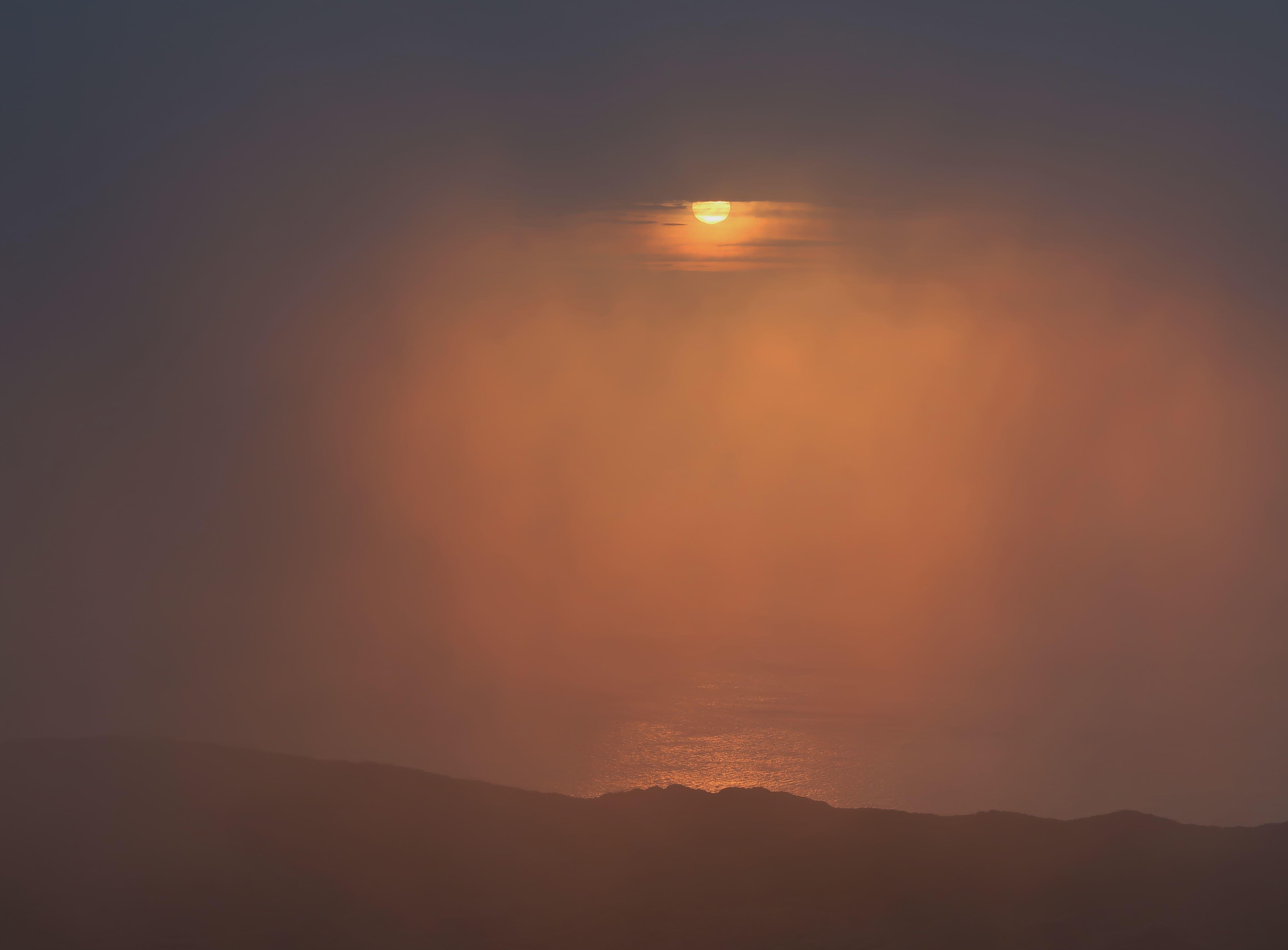 007_霧に包まれた朝日_R