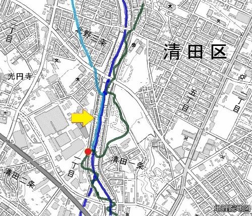 現在図 厚別川 吉田用水 用水記念碑 旧河道