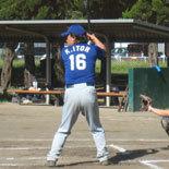 5回裏、伊藤幸が適時打を放つ