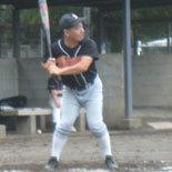 5回裏、村岡が二塁打を放つ