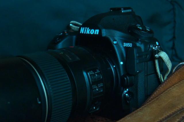 やはり。。。小さくて重くない方がいいです。Nikon D850-05