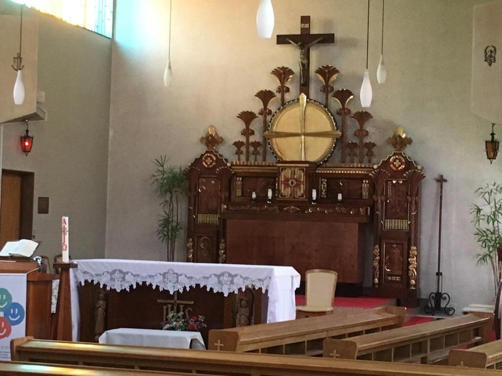 カトリック富山教会内部