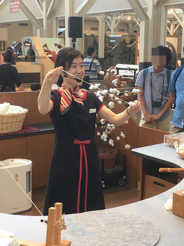 トヨタ-綿から糸を作る実演