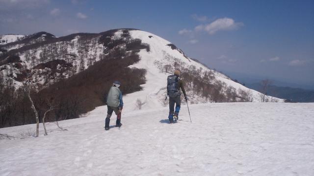 11401395㍍から杉村岳山頂を目指す①